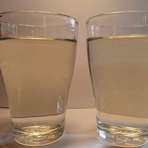 humus farvet vand
